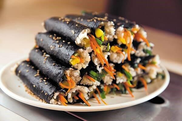 """""""Đổi vị"""" cho bữa cơm gia đình với món ăn Hàn Quốc dễ làm"""