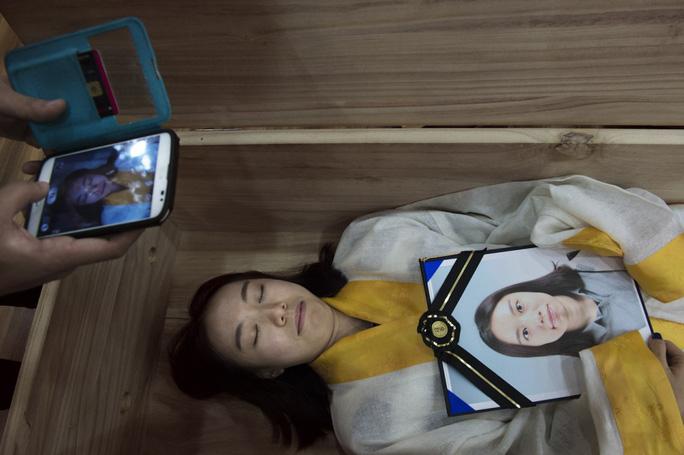 Vấn nạn tự tử ở Hàn Quốc – Nguyên nhân do đâu?