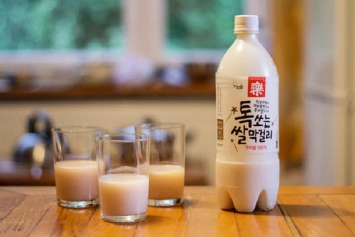 """Rượu gạo Hàn Quốc Makgeolli – """"Quốc tửu"""" xứ củ sâm"""