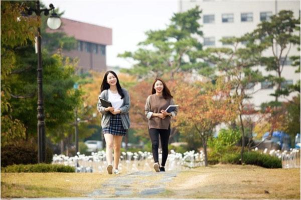 """Cao đẳng Dong-Busan : Trường cao đẳng nghề được """"săn đón"""" ở Hàn Quốc"""